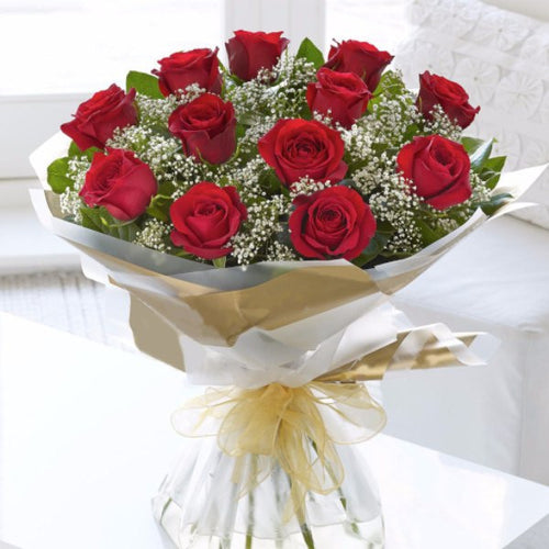 TODAY'S SPECIAL: 12 ROSES IN LOVE