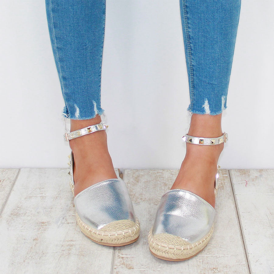 HAPPY DAYS STUDDED ESPADRILLE - SILVER