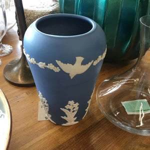 Wedgewood Vase - Blue Dove Emery Pattern