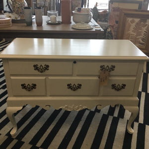 "Knechtel-Lane Cedar Lined Chest w Legs Cream 42""l x 18""d x 28.5""h #251"