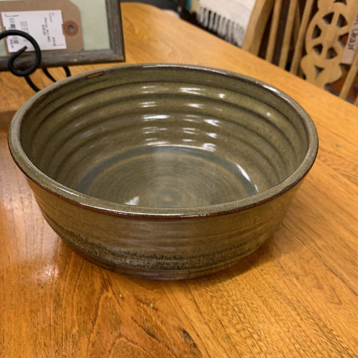 Ceramic bowl - brown taupe Potter Ann MacClellan 320
