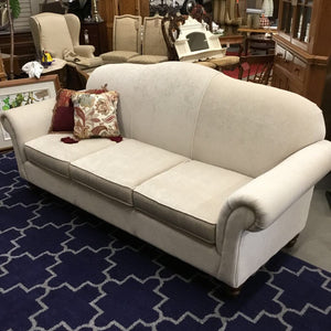 Bombay Sofa w Rounded Back
