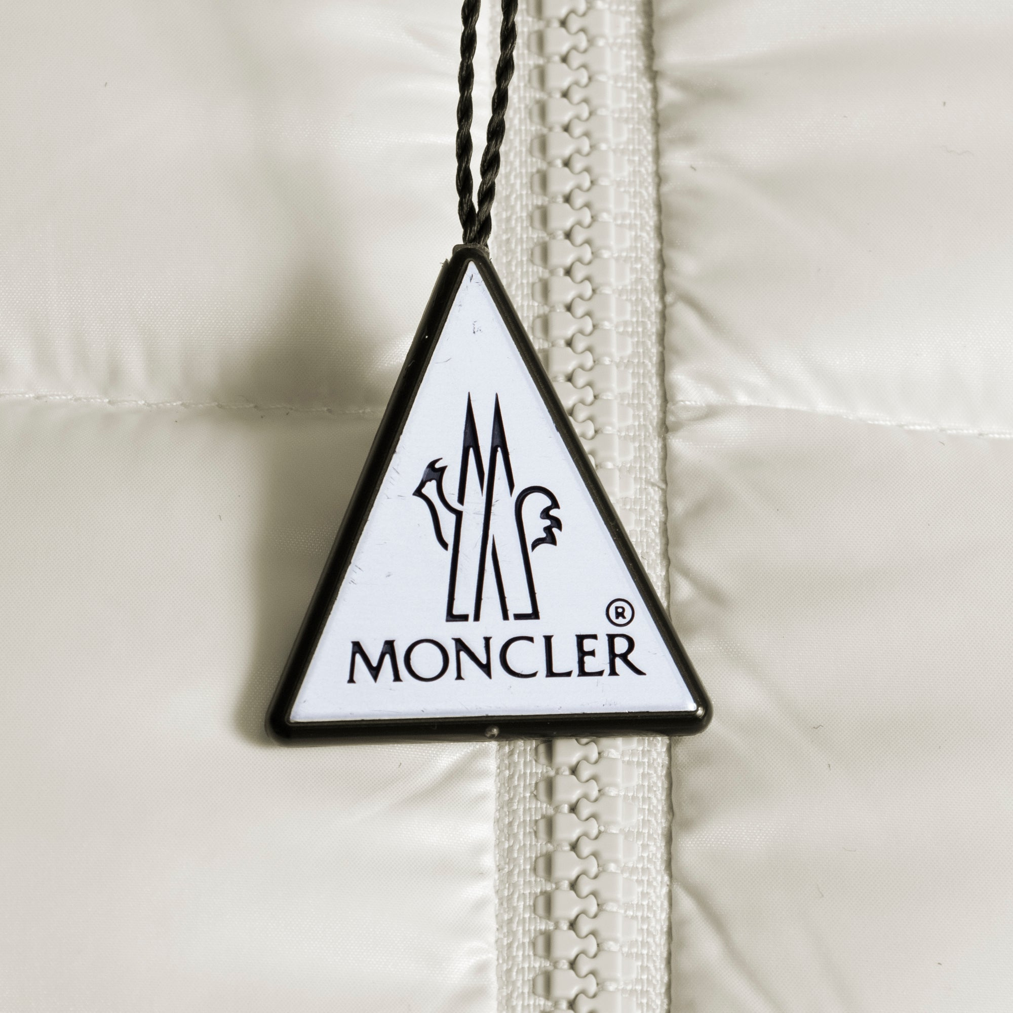 Moncler Badyfur Quilted Down Puffer Jacket Size 3 in White