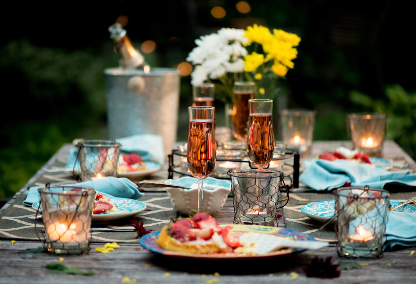 Set Up Your Outdoors For A Romantic Dinner This Valentine