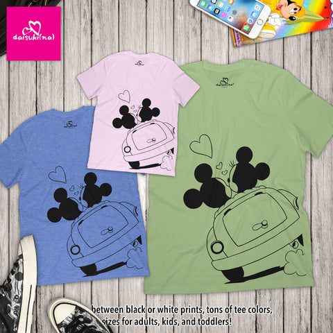 Mickey & Minnie Mouse Lovers in Car - Unisex Short Sleeve T-Shirt