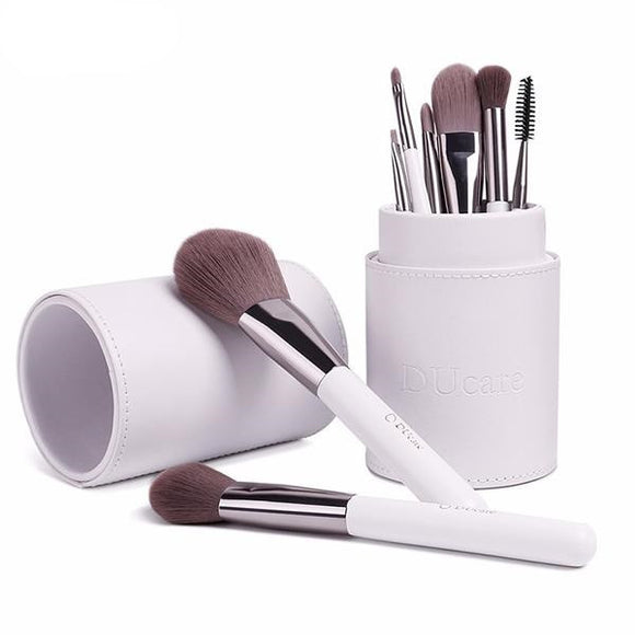8 Pieces Makeup Brushes With White Holder
