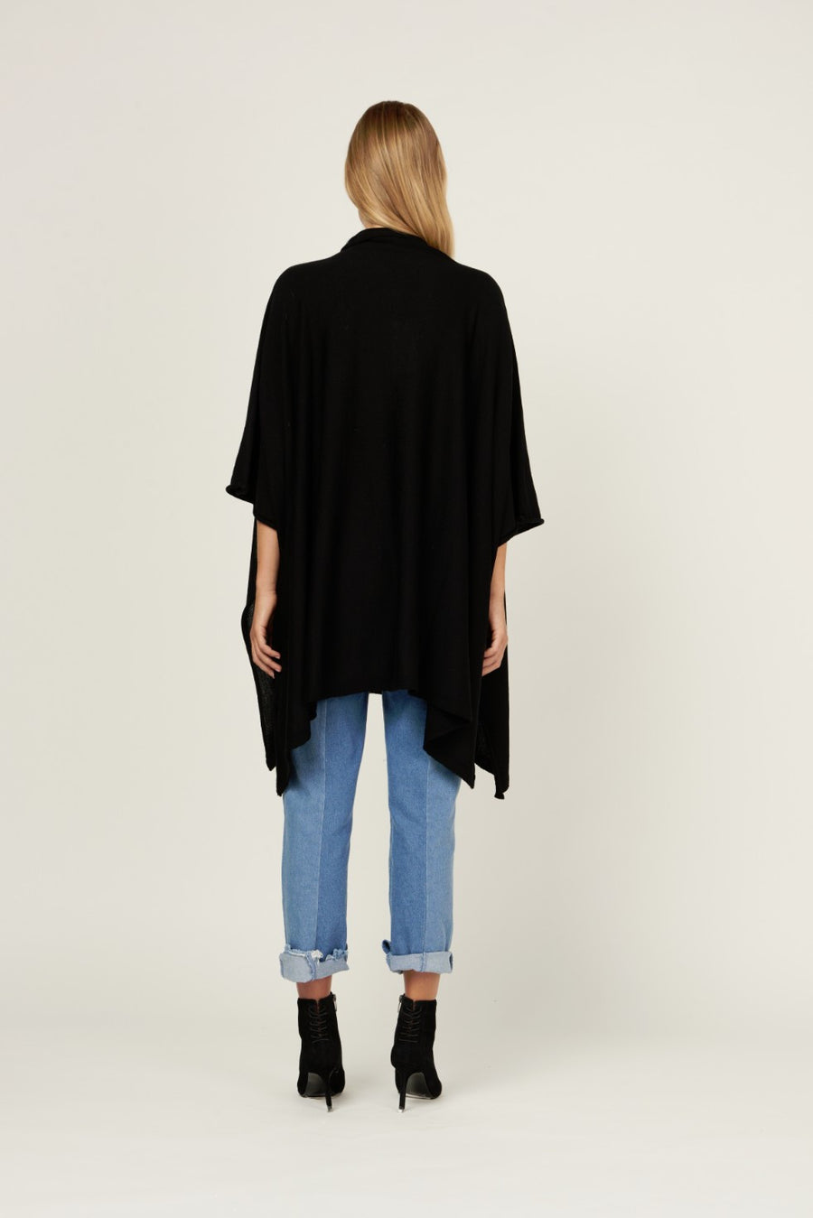 MVN Mystic Swing Cape