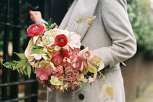 Send romantic flowers in Sydney free delivery online florist Peony Story