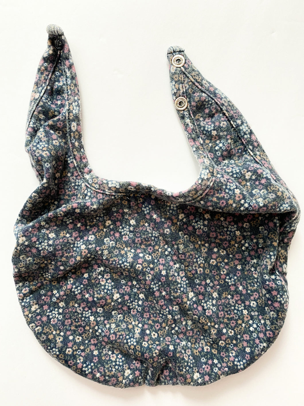 Jamie Kay bib ( 2 snap sizes )
