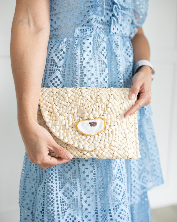 Natural Straw Clutch
