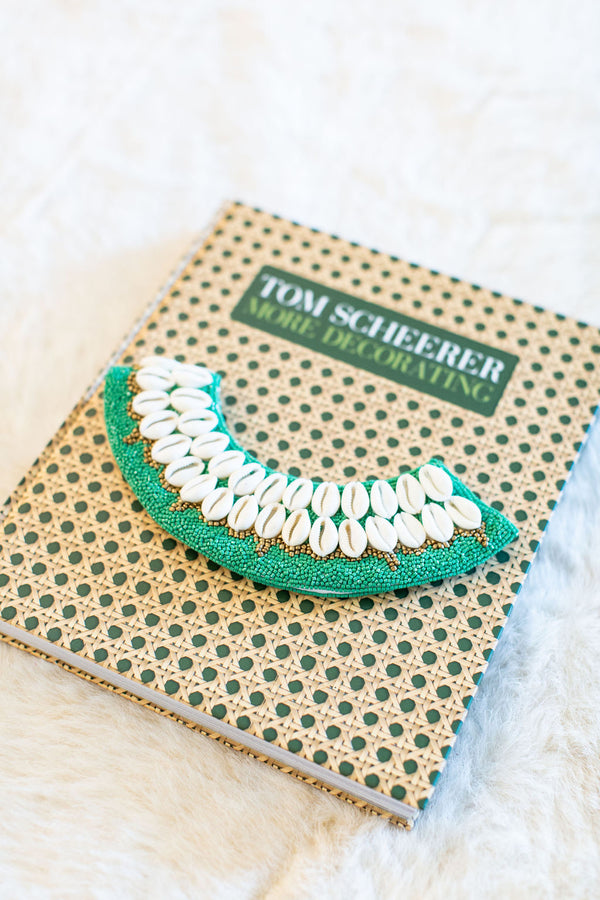 Cowrie Collar - Kelly Green
