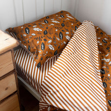 Load image into Gallery viewer, Conker Leaf Print Bedding Set