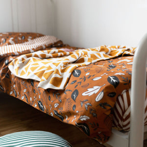 Conker Leaf Print Bedding Set