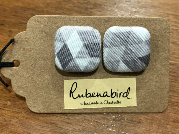 Rubenabird Grey and White Geometric Patterned Square Fabric Earrings