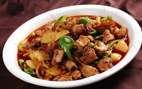 Braised Chicken with potato and green pepper serve with rice - 大盘鸡饭