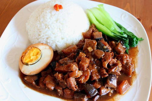 Braised Pork with Rice - 卤肉饭