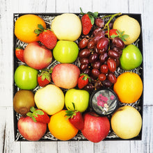 Kittea Tin Can Tea with Fruit Gift Hamper. Free delivery within Singapore.