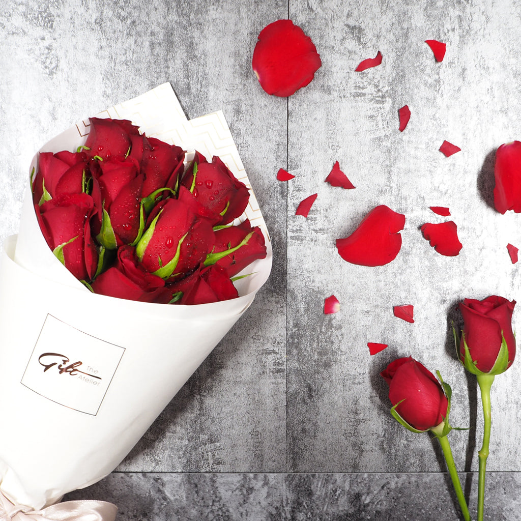 Valentineu0027s Day Romantic Love Red Roses Flower Bouquet. Free Delivery In  Singapore.