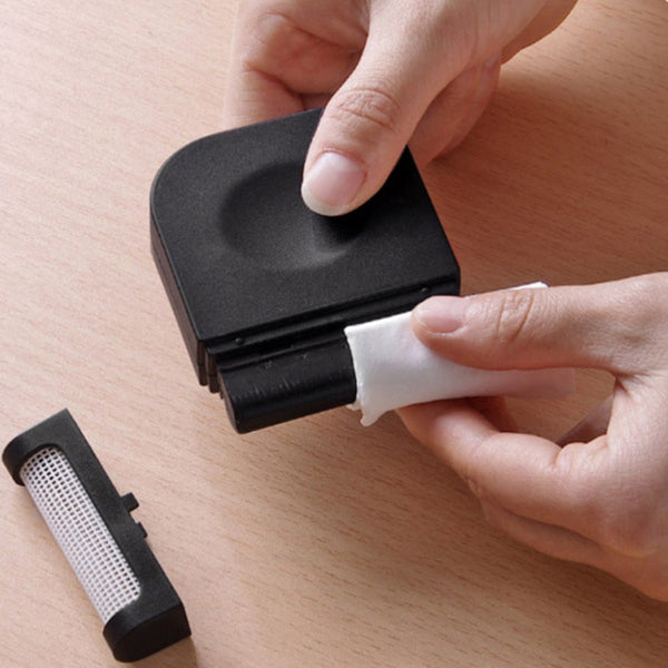 New Small Powerful Lint Remover - Secure Wallet & Phone