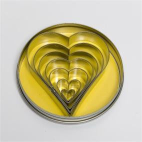 7 pc Heart Cutter Set in Storage Tin - 11cm Tin