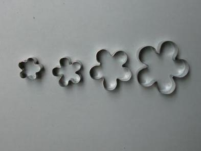 Blossom set of 4 18,25,30,40mm Cutter Set