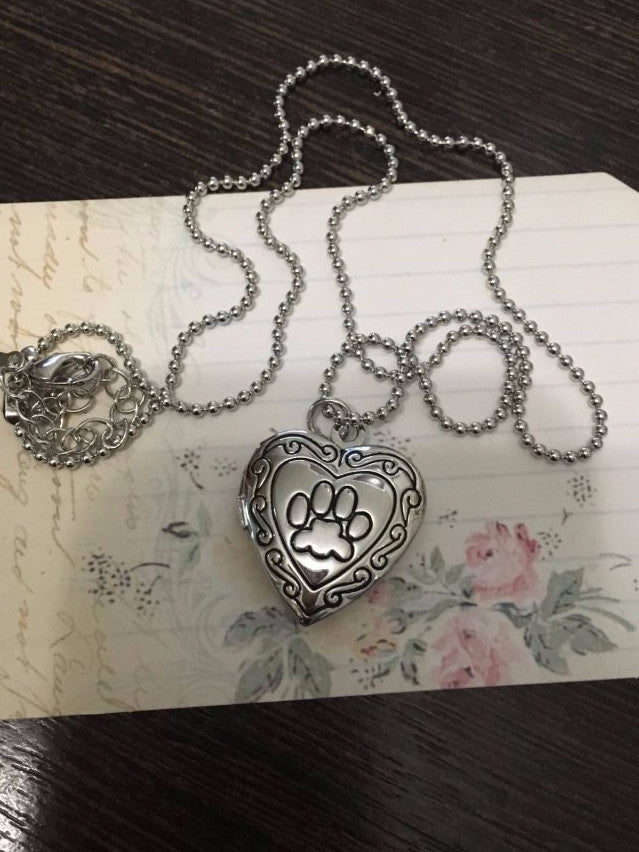 Hearty Paw Pet-Lovers Photo Locket Couple Necklaces [2 Variants]