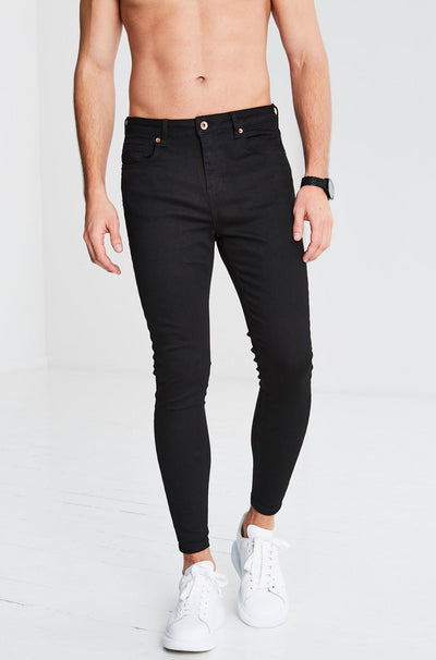 BLACK NON RIPPED JEANS