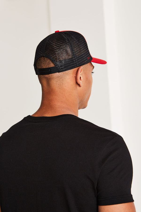 Eclipse Mesh Trucker Cap Black/Red