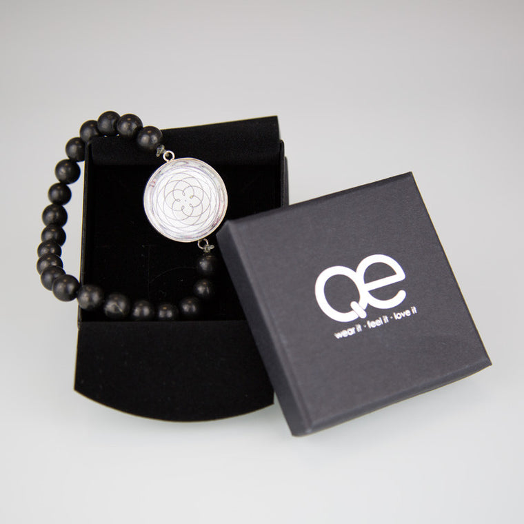 QE – Bracelet Female