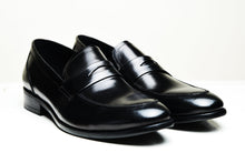 VICTOR | Black leather penny loafer