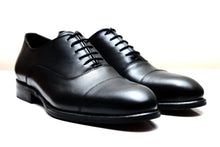 SEVILLE | Black leather cap toe shoes
