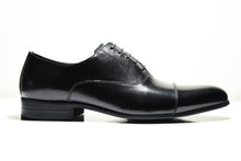 Black Foremen Leather Oxford shoes with Lace-up type closure and rubber sole