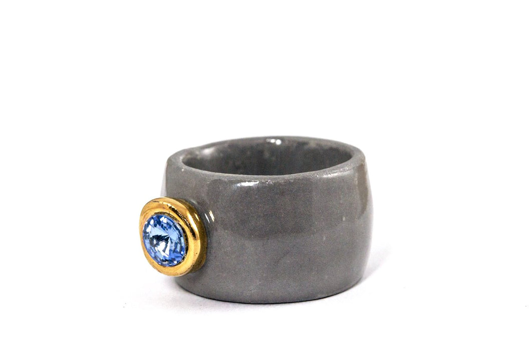 Porcelain Jewelry - Gold Plated Gray Porcelain Ring With Light Sapphire Swarovski, Porceliano ziedas, porcelianiniai ziedai, porceliano papuosalai, keramikinis ziedas, keramikiniai papuosalai, pilkas ziedas, ranku darbo papuosalai, ranku darbo ziedas, фарфоровые украшения, фарфоровое кольцо, bague en porcelaine, bijoux en porcelaine, gioielli di porcellana, anello di porcellana, porcelāna rotaslietas