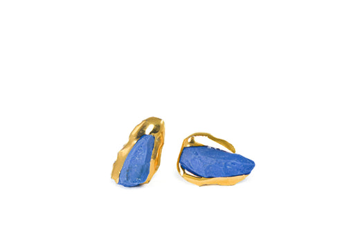OOAK ceramic jewelry is handmade by FreakyFoxx. It is lightweight because it is porcelain earrings. Blue porcelain earrings are plated with gold so they look luxury. These ceramic earrings are small so they could be even mens earrings. Lietuvos kūrėjų papuošalai iš MB Keista Lapė