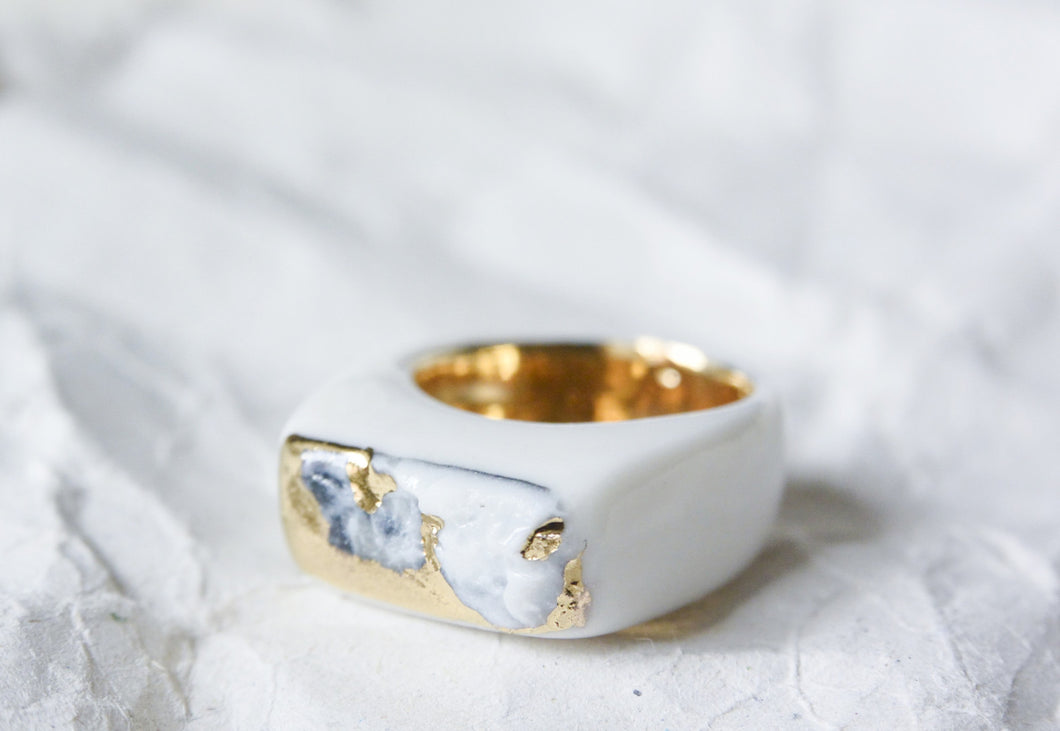 Minimal Porcelain Ring With Gold - Watercolour