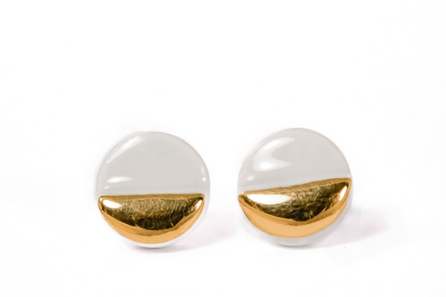 white Round porcelain earring with gold. Balti porceliano auskarai su auksu
