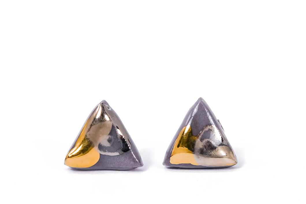 Triangle Marbled Porcelain Earrings With Gold And Platinum, trikampiai marmuriniai porceliano auskarai su auksu ir platina