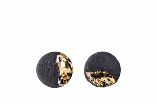 Black Porcelain Earrings With Gold, Round Ceramic Earrings, Black Earrings, Porcelain Jewelry, Earrings For Men, Unisex Earrings, Porceliano Papuošalai iš porceliano, porcelianiniai auskarai, auksiniai auskarai, juodi auskarai, juvelyrikos salonas Vilniuje