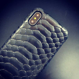 iPhone X snake case