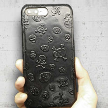 Load image into Gallery viewer, iphone 8 plus skull case