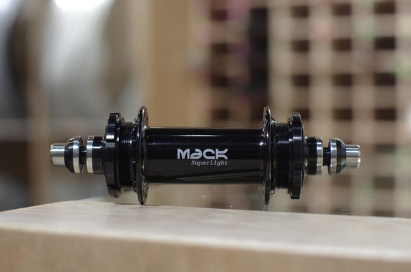 Mack Superlight Low Flange Rear Hub