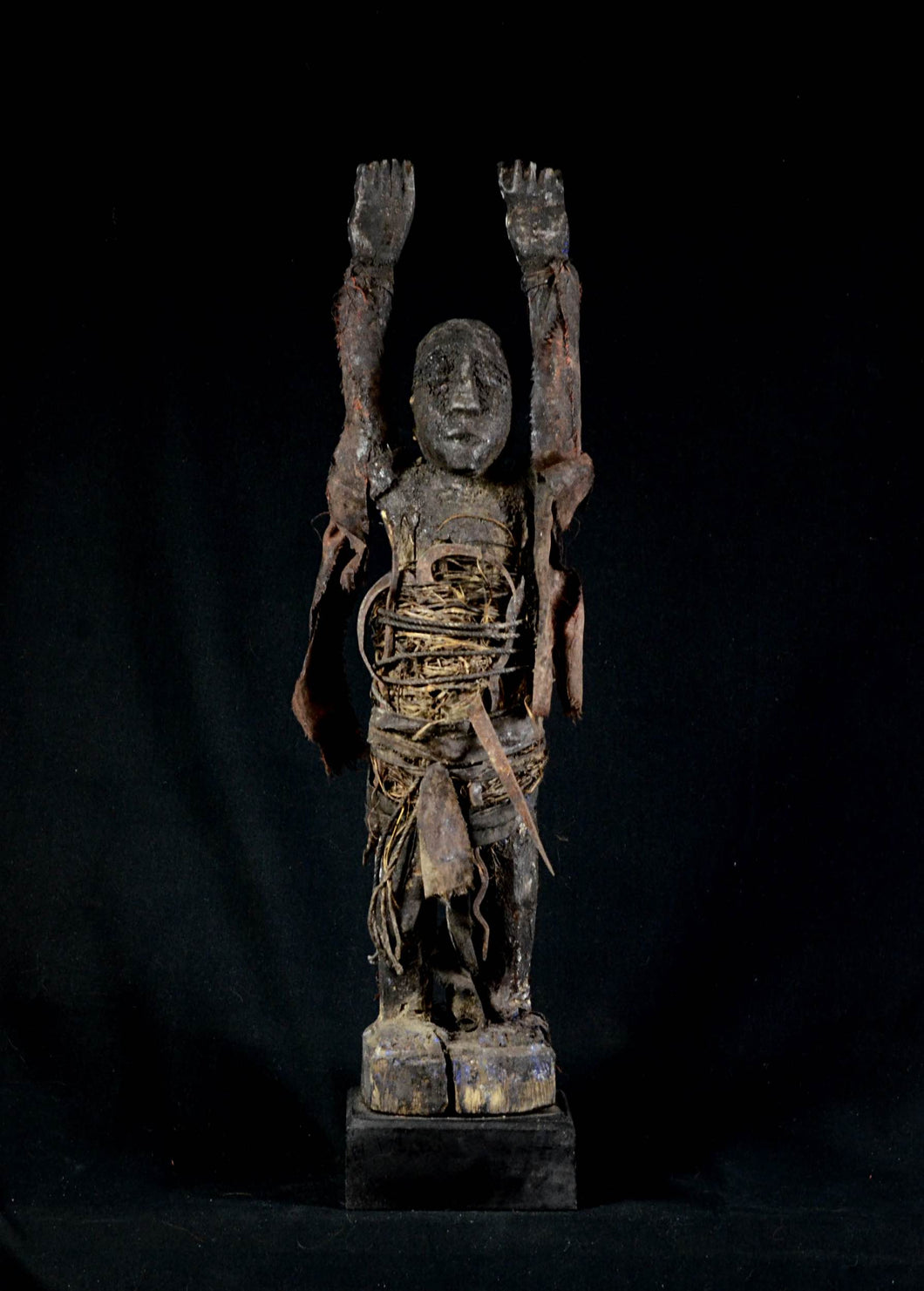 Fon Bocio Fetish with arms raised - Benin