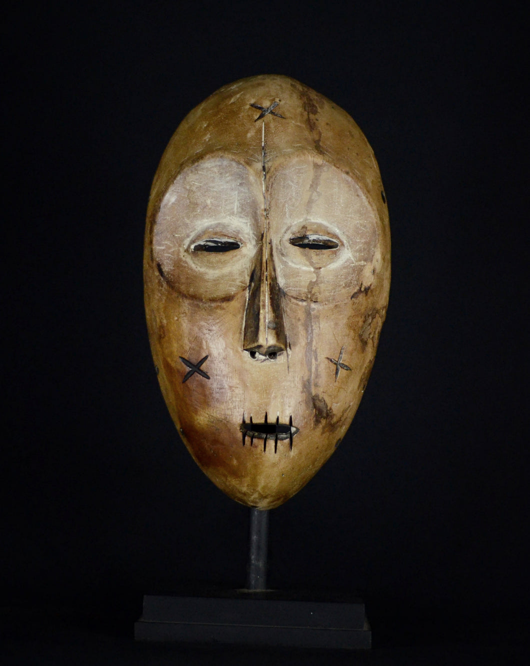 Big African Tribal LEGA Mask from the Bwami Society with scarifications - Democratic Republic of the Congo.