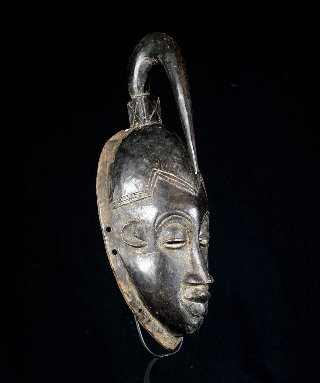 JE mask from the GURO with dart on top - Ivory Coast