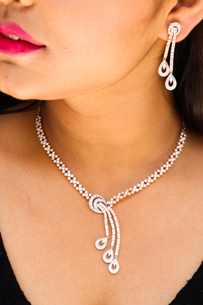 Tres Bien Diamond Necklace Set