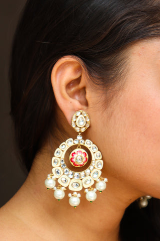 Safed Kundan Earrings