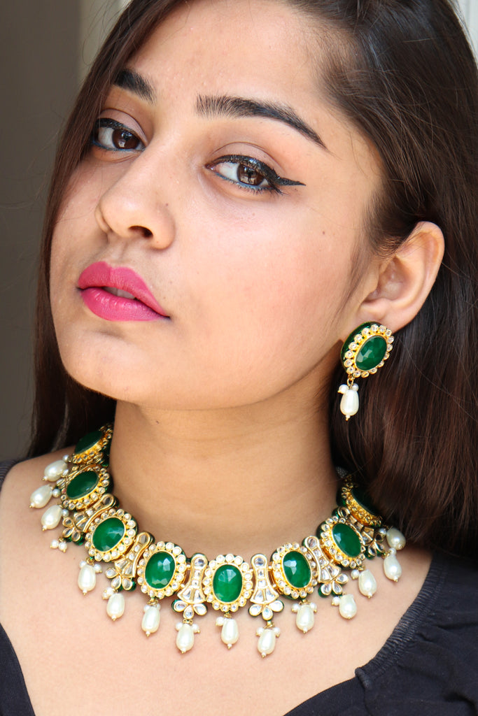 Classy Emerald Necklace Set