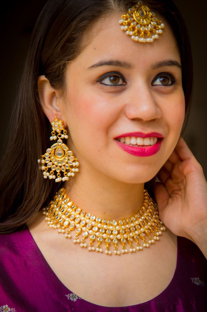 Ahmadabadi Pearl Kundan Necklace Set With Maangtika