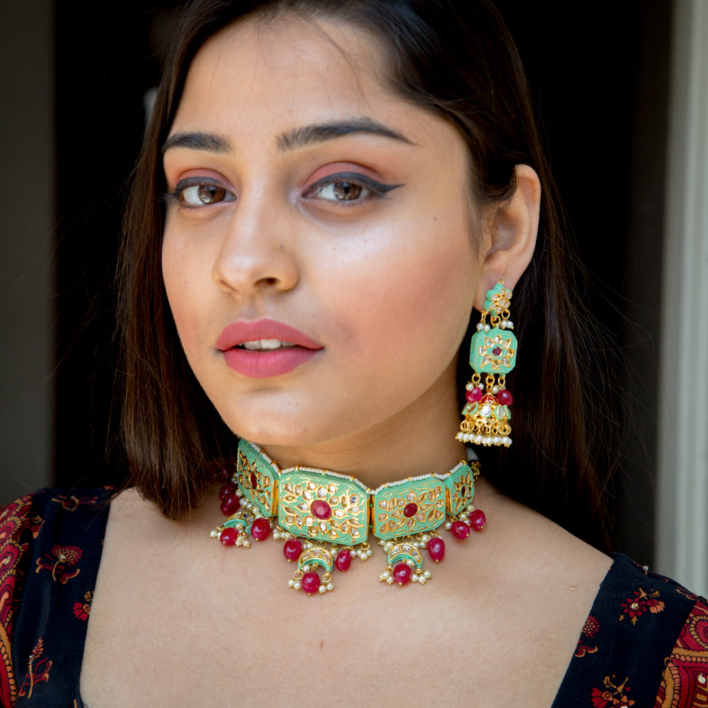 Pitara Kundan Necklace Set