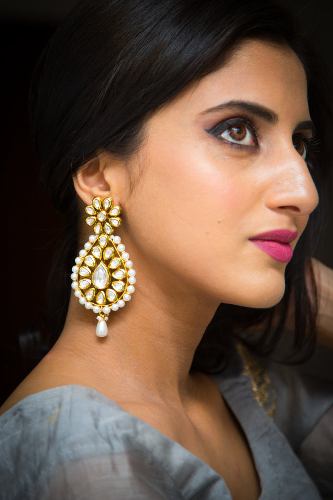 Pushtaeini Kundan Earrings